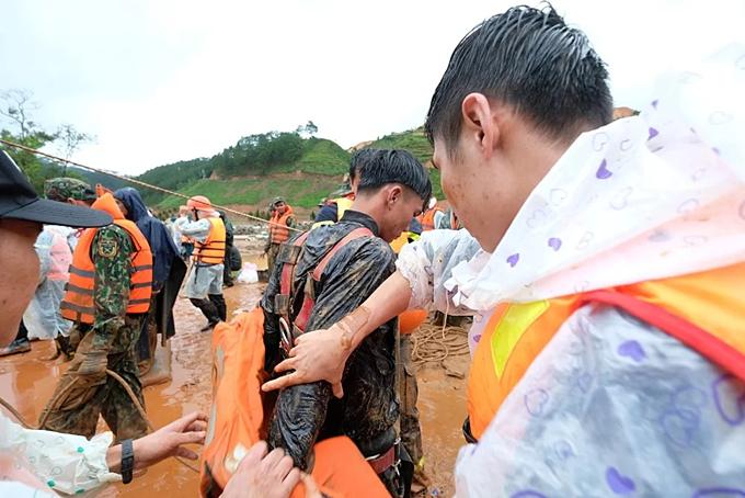 Inside Central Highlands flood rope rescue (unedited) - 3