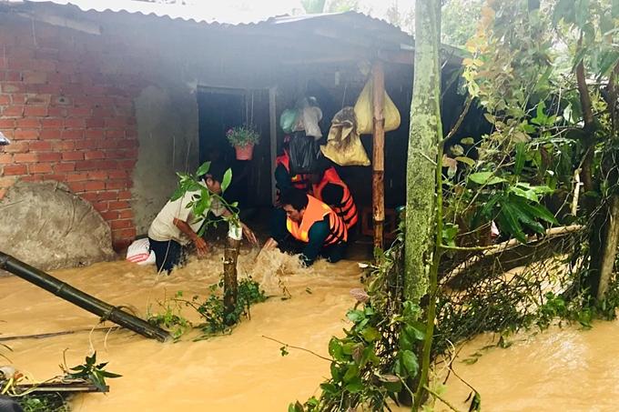Inside Central Highlands flood rope rescue (unedited) - 6