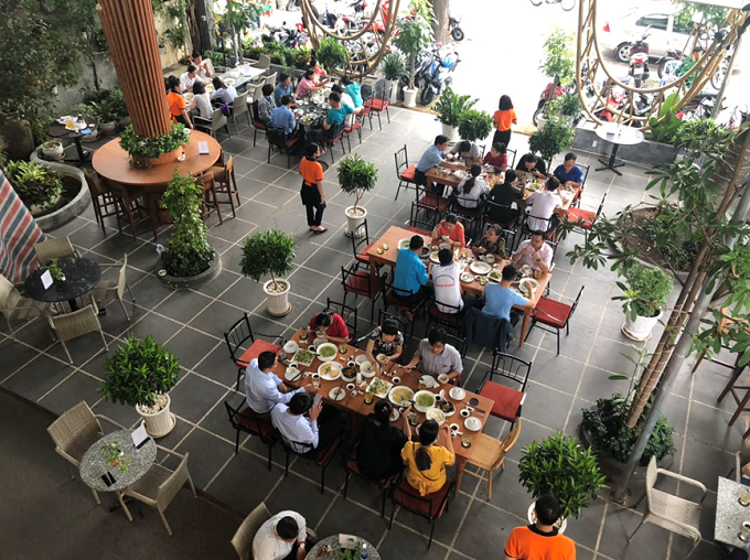 Saigon restaurant offers a verdant breathing space - 3