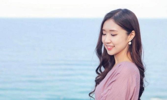 South Korean singer uses music to improve Vietnamese skills
