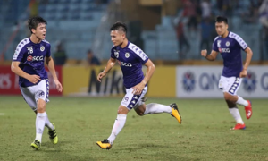 Opponents' coach praises Hanoi FC midfielder for outstanding performance