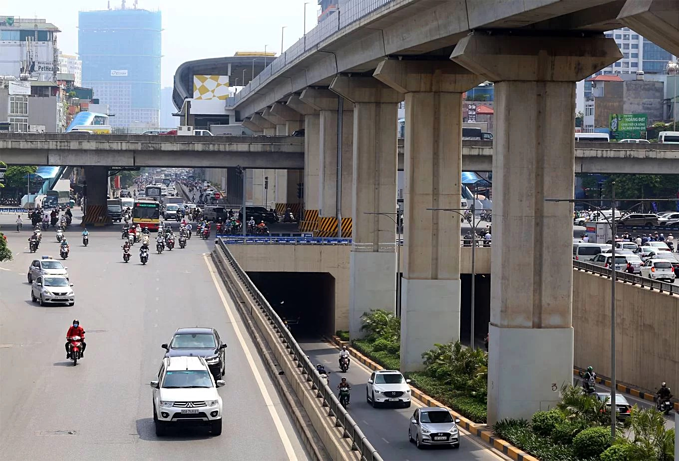 Diverging diamonds run across Hanois major traffic areas(unedited) - 5