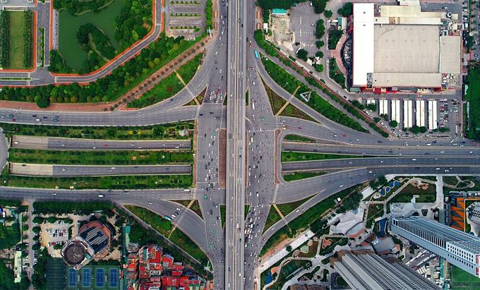 Diverging diamonds run across Hanois major traffic areas(unedited) - 7