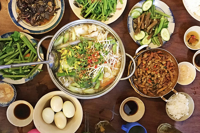 Hoi Do Restaurant in Can Tho has many southern dishes that are served family-style for sharing. Photo by VnExpress/Phong Vinh.
