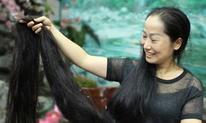 Vietnam's Rapunzel rarely lets her hair down
