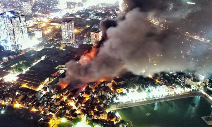 Hanoi light bulb warehouse blaze destroys a third of stocks