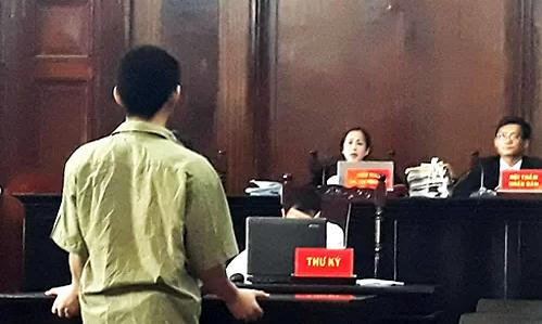 Teen gang jailed for robbing Saigon convenience stores