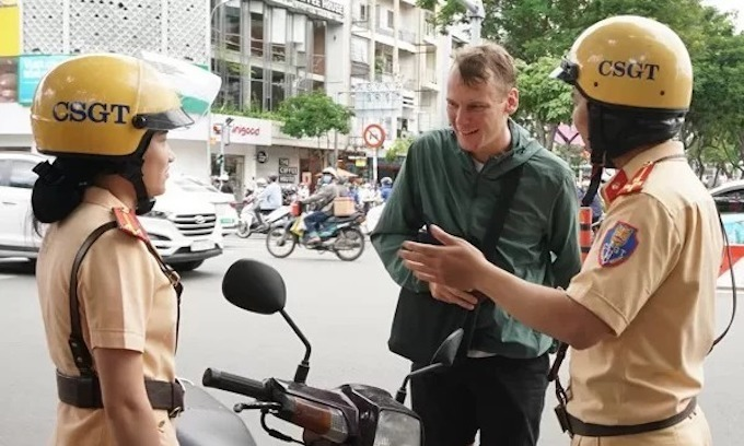 Saigon nabs 22 foreigners for traffic violations