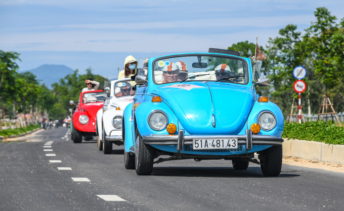 The majority of the cars in the convoy were Volkswagens Beetle models, which used to be a worldwide craze in the 1950s.On the first day, the convoy paraded around Hoi Ans streets before going on to the My Son Sanctuary on Sunday.