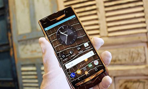 Luxury cellphone Vertu returns to Vietnam
