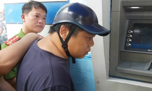 Three Chinese held in Vietnam for ATM thefts