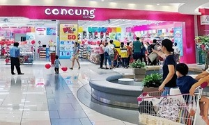 Largest baby products chain sees profits plummet