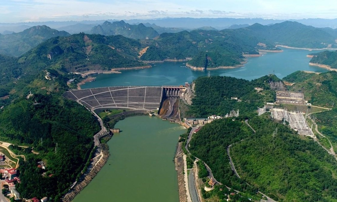 Water levels at record low in Vietnam's biggest hydropower dam