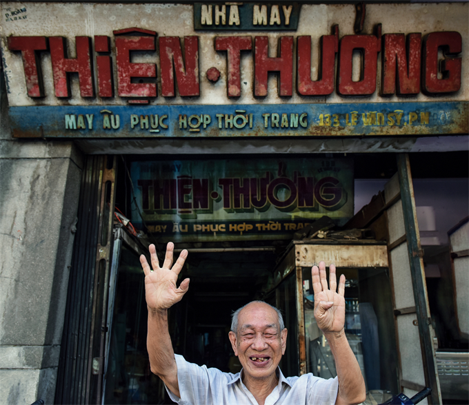 Thien Thuong, 90, has been a tailor for 70 years. His shop on Le Van Sy Street was among the most well known ones in Saigon in the 1950s.