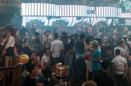 Hundreds found using drugs in bar, karaoke parlor raids