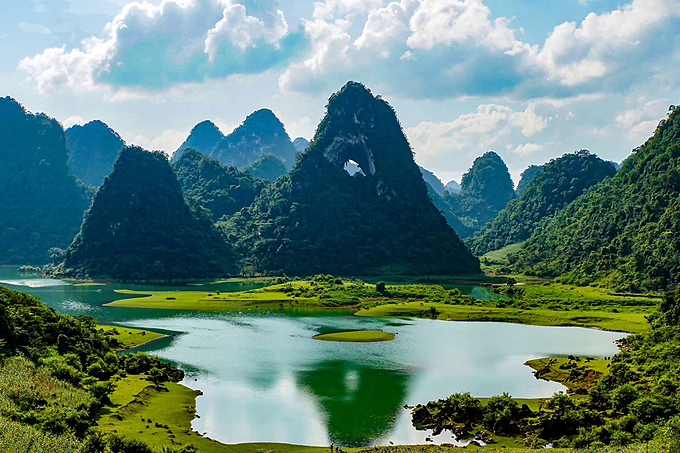 Non Nuoc Cao Bang National Park in northern Vietnam was declared a new global geopark by UNESCO in 2018. Photo by VnExpress/Pham Khoa.
