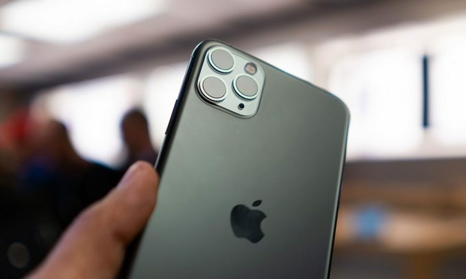 Thousands of Vietnamese preorder iPhone 11 models