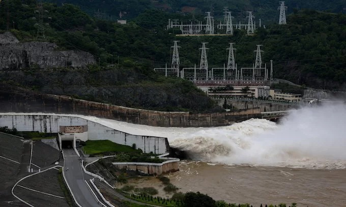 Vietnam state utility EVN to borrow $278 mln to expand hydro plant