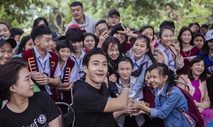 K-pop star campaigns against bullying in Vietnam