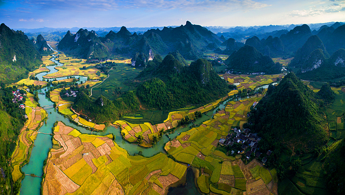An aerial view of Non Nuoc Cao Bang geopark in the northern province of Cao Bang. Photo by Shutterstock/Jimmy Tran.