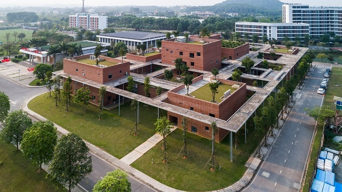An aerial view of the Viettel Academy Educational Center in Hanoi. Photo by Vo Trong Nghia Architects.
