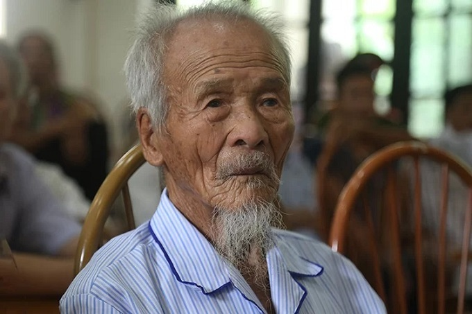 Khong Van De, 95, who has waited 39 years to be publicly cleared for murder. Photo by VnExpress/Pham Du.