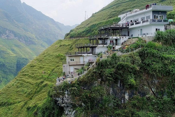 The Panorama hotel on Ma Pi Leng pass, Ha Giang Province. Photo by VnExpress/Giang Huy.