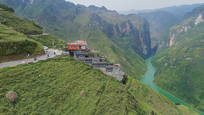 Recently, the illegal construction of the  Panorama Hotel and Restaurant on a bend in the Ma Pi Leng Pass of Ha Giang Province triggered public controversy, with many people saying the building is not environmentally friendly and partly destroys the landscape.This outrage has prompted local authorities to make a decision that parts of the Panorama Hotel and Restaurant that do not affect the  landscape can be retained and remodeled into a rest stop for visitors  without accommodation and other services, and the rest of the structure  would be razed.