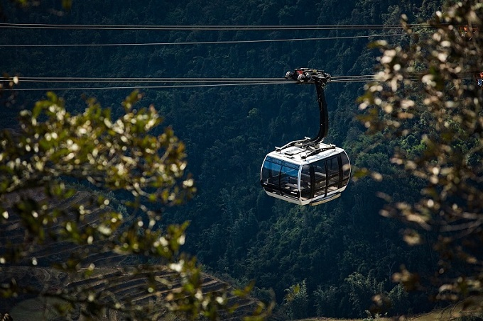From Sa Pa, the Muong Hoa funicular railway is a wonderful way to travel to the Fansipan cable car station.