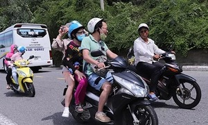 Da Nang prohibits scooters on peninsula following spate of accidents