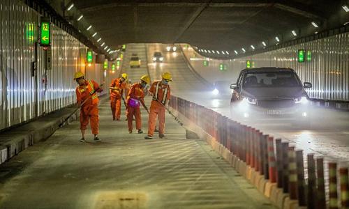 Tunnel vision keeps Saigon underground passage primed for heavy traffic
