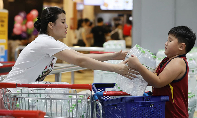 Hanoi tap water warning opens flood gates for bottled water sales
