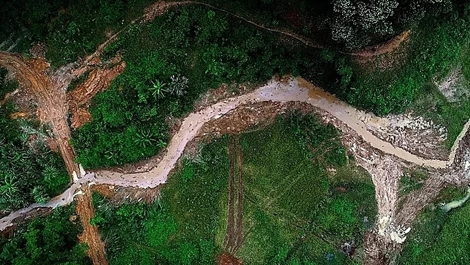 A bird view of part of the Tram creek which has been cleared of oil on October 17, 2019. Photo by VnExpress/Giang Huy