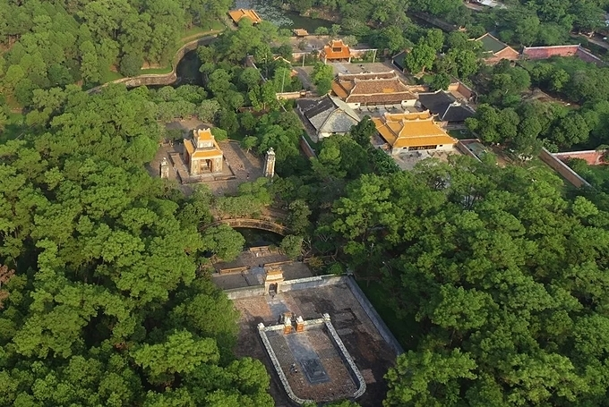 A bird view of Khiem Lang (Tomb of Modesty). King Tu Duc (1829-1833) reigned for over 35 years since 1848, the longest among rulers of the Nguyen Dynasty. His tomb, with some 50 constructions surrounded by a 1,500 m long wall, was built in 1866 and completed in 1873.