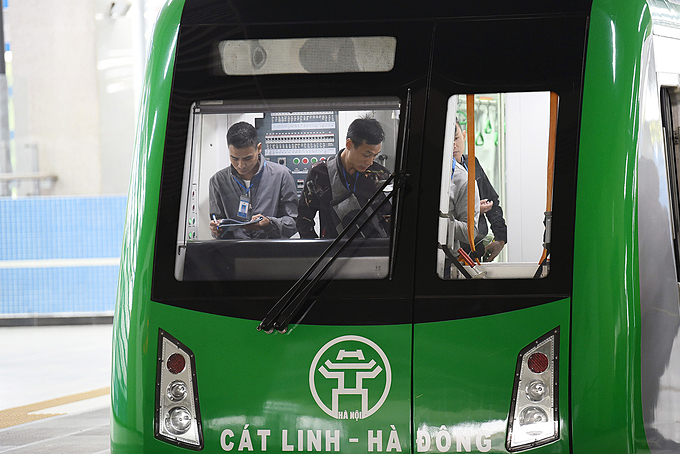 The test run begun on Monday to inspect all aspects of the Cat Linh-Ha Dong Metro Line, including functioning stations with staff on duty in operation rooms and at ticket booths.