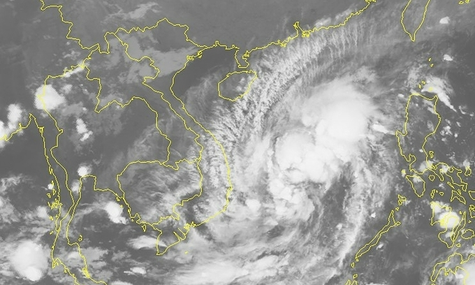 Tropical storm to bring heavy rain to central Vietnam