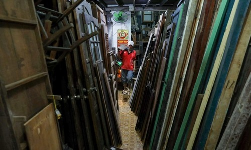 Saigon's old furniture market in business for 30+ years