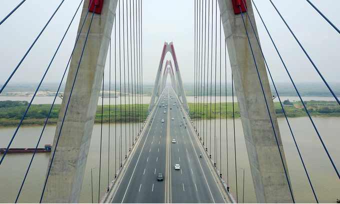 Nhat Tan Bridge in Hanoi, also known as the Vietnam - Japan Friendship Bridge, was inaugurated in January 2015. Photo by VnExpress/Nhat Quang.