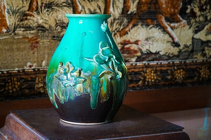 The antique items like the intricate vase have been preserved by generations of the family. Their collection includes two sets of tables and chairs originating from Yunnan era, marble countertops, Louis XV French lounge suite with blue marble countertops ...