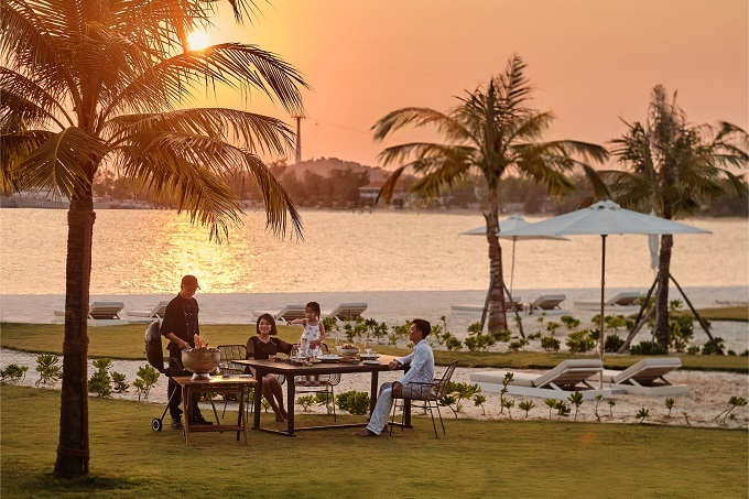 Guests staying atPremier Village Phu Quoc Resortcan host their own exclusive BBQ party on the beach.