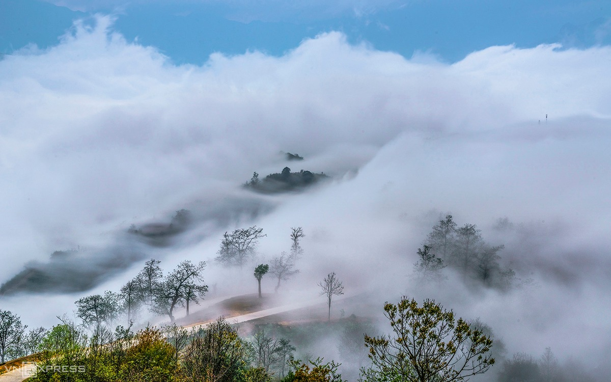 Have your head in the clouds in Vietnam mountain commune