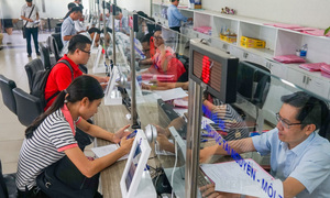 Vietnam to give civil servants a 7.3 percent wage raise next year