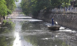 Hanoi plans to flush To Lich River with Red River