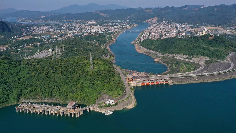 Hoa Binh power plant, construction of the 20th century