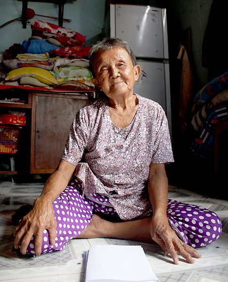 Chau Ngoc Nu, 82. Photo by VnExpress/Diep Phan.