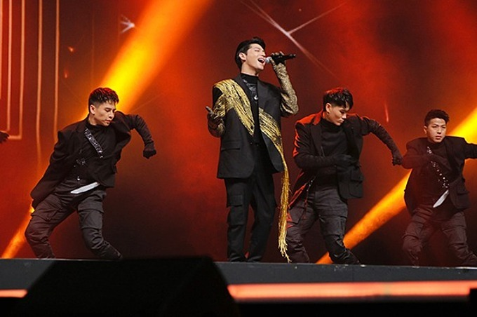 Thinh brings a team of 20 people to South Korea for his performance atthe V.Heartbeat Live concert. Photo by VnExpress/Quoc Dat.