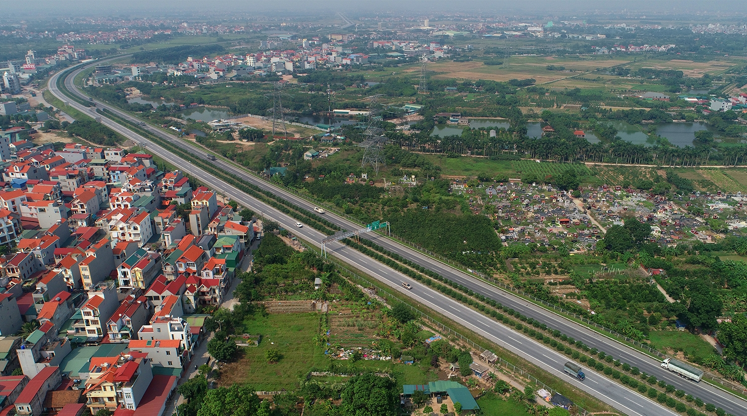 Expressways that burn up the road between Hanoi and northern provinces