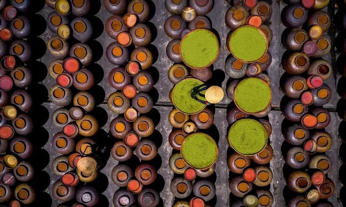 The photo of Ban soy sauce in Hung Yen Province, taken by Vietnamese photographer Pham Ngoc Thach, was posted on National Geographics Instagram account on August 19, 2019.
