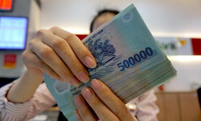 Vietnam tightens consumer loans