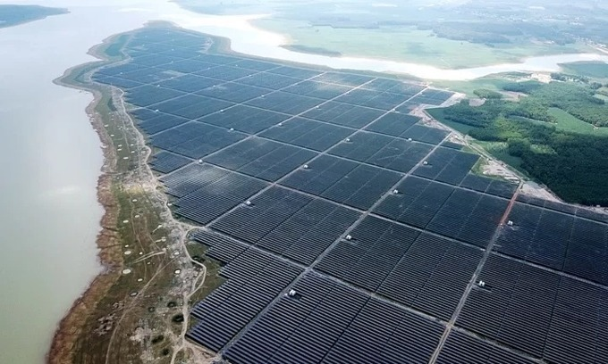 Vietnam mulls bidding policy for solar power prices